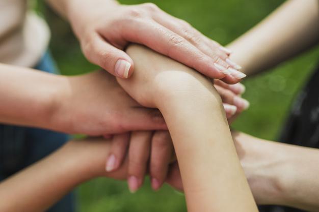 concepto-medio-ambiente-voluntarios_23-2147807250